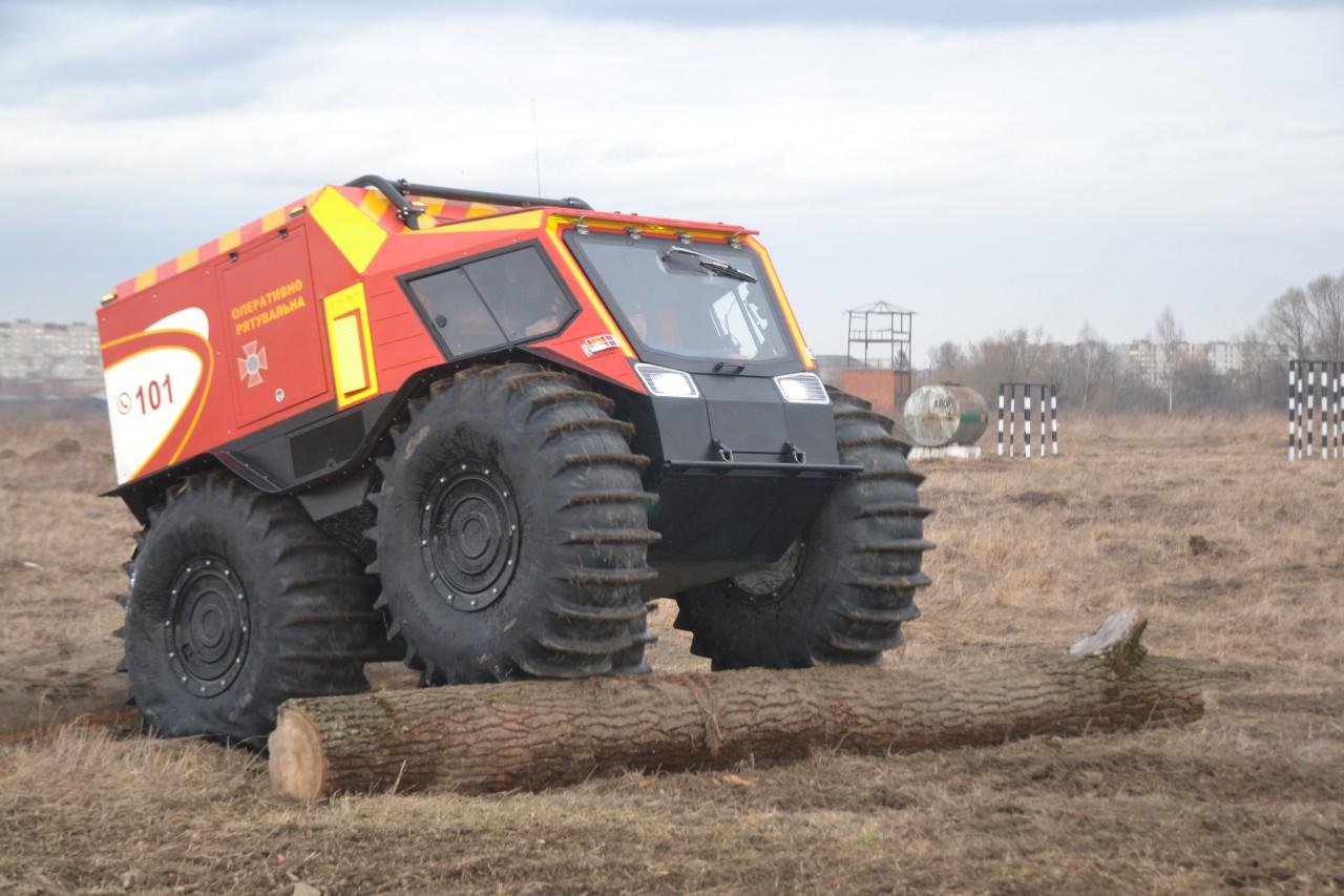 Гірським рятувальникам передали всюдиходи українського виробництва (фото)