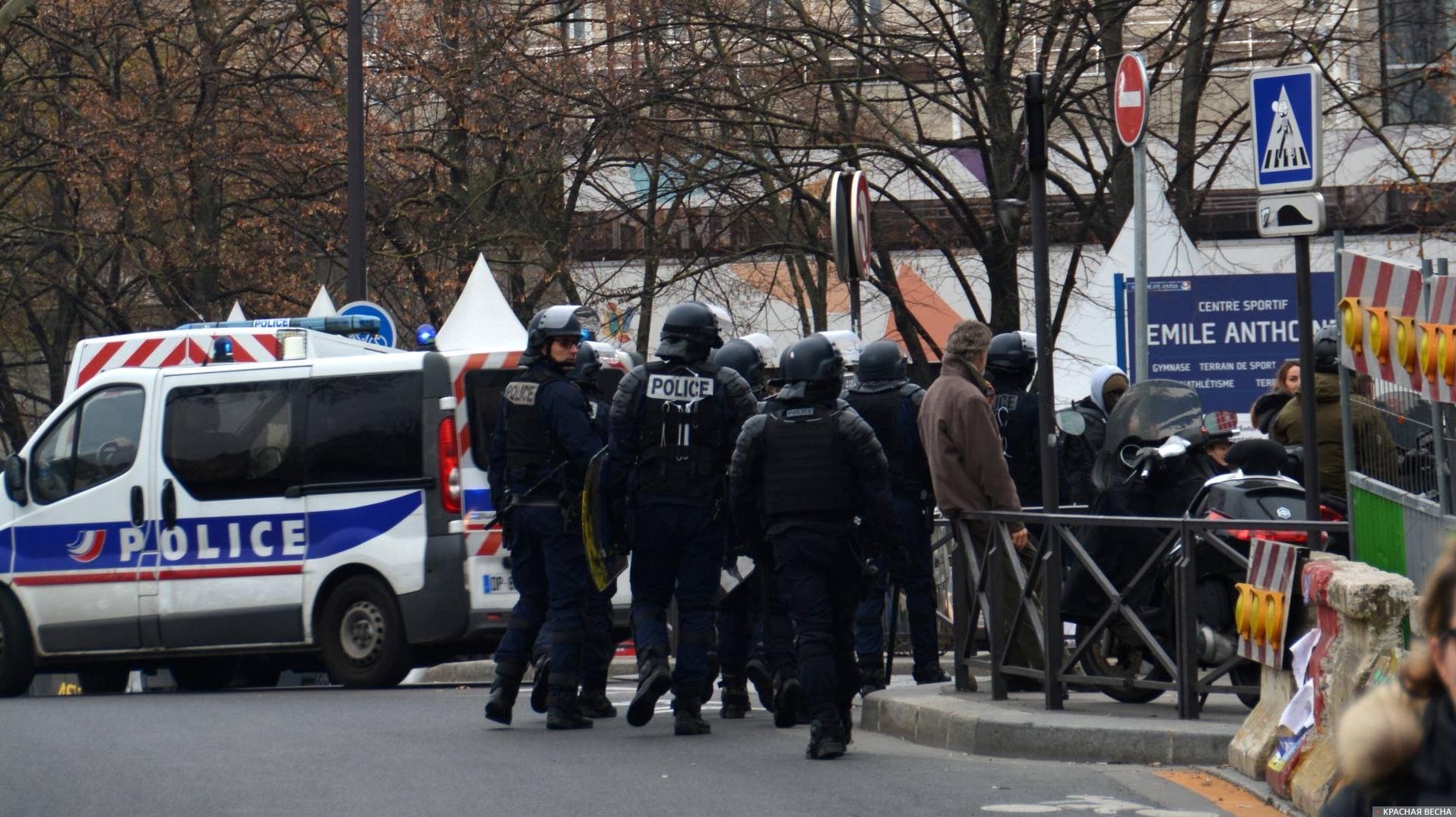 У Франції арештували 4 підозрюваних у причетності до ісламського нападу в Парижі