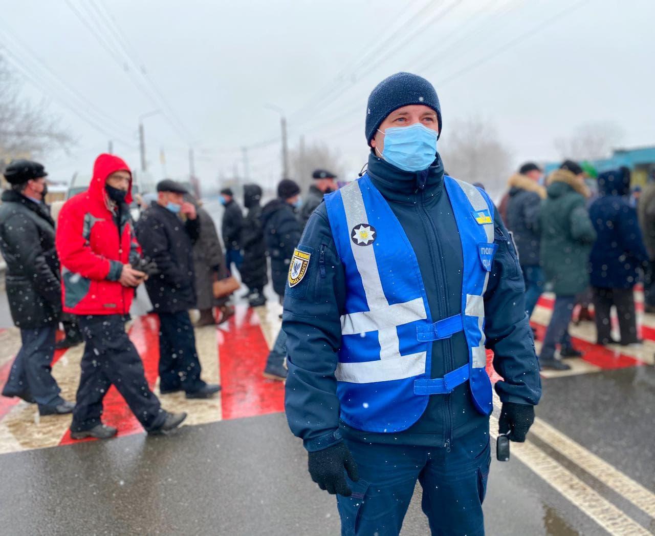 Протестувальники перекрили трасу під Франківськом