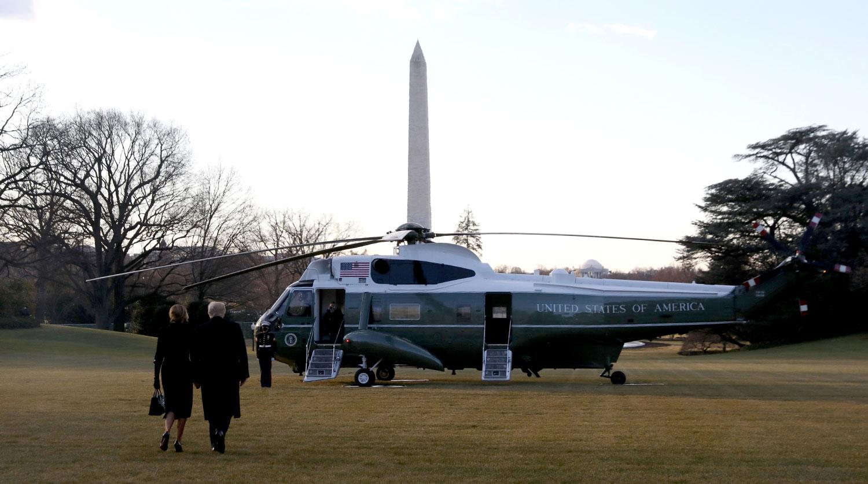 """""""Скоро побачимося"""": Дональд Трамп покинув Білий дім"""