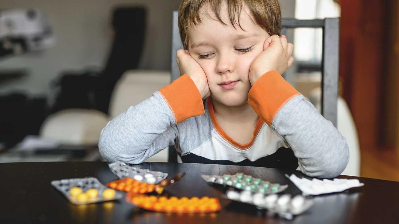 В Україні планують заборонити продаж ліків дітям