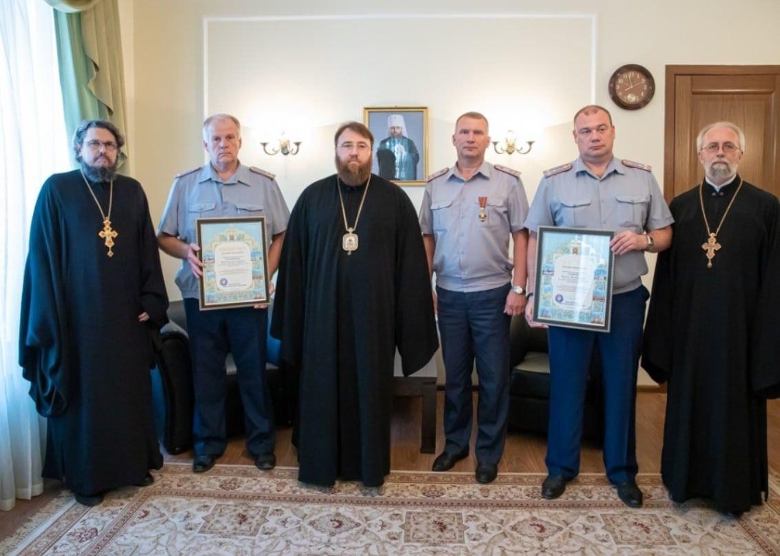 """На Росії начальник УФСІН, де ґвалтували в'язнів, отримав медаль РПЦ за """"збереження духовних цінностей"""""""